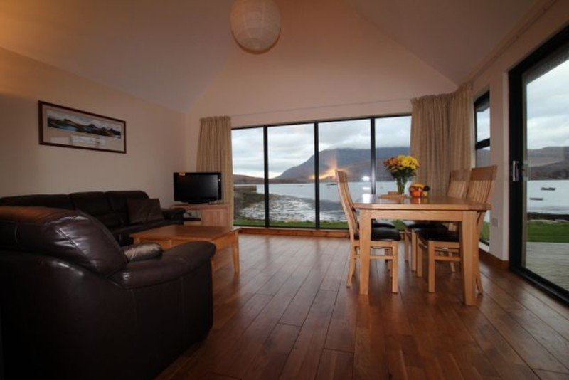 ardmair self-catering lodge lounge